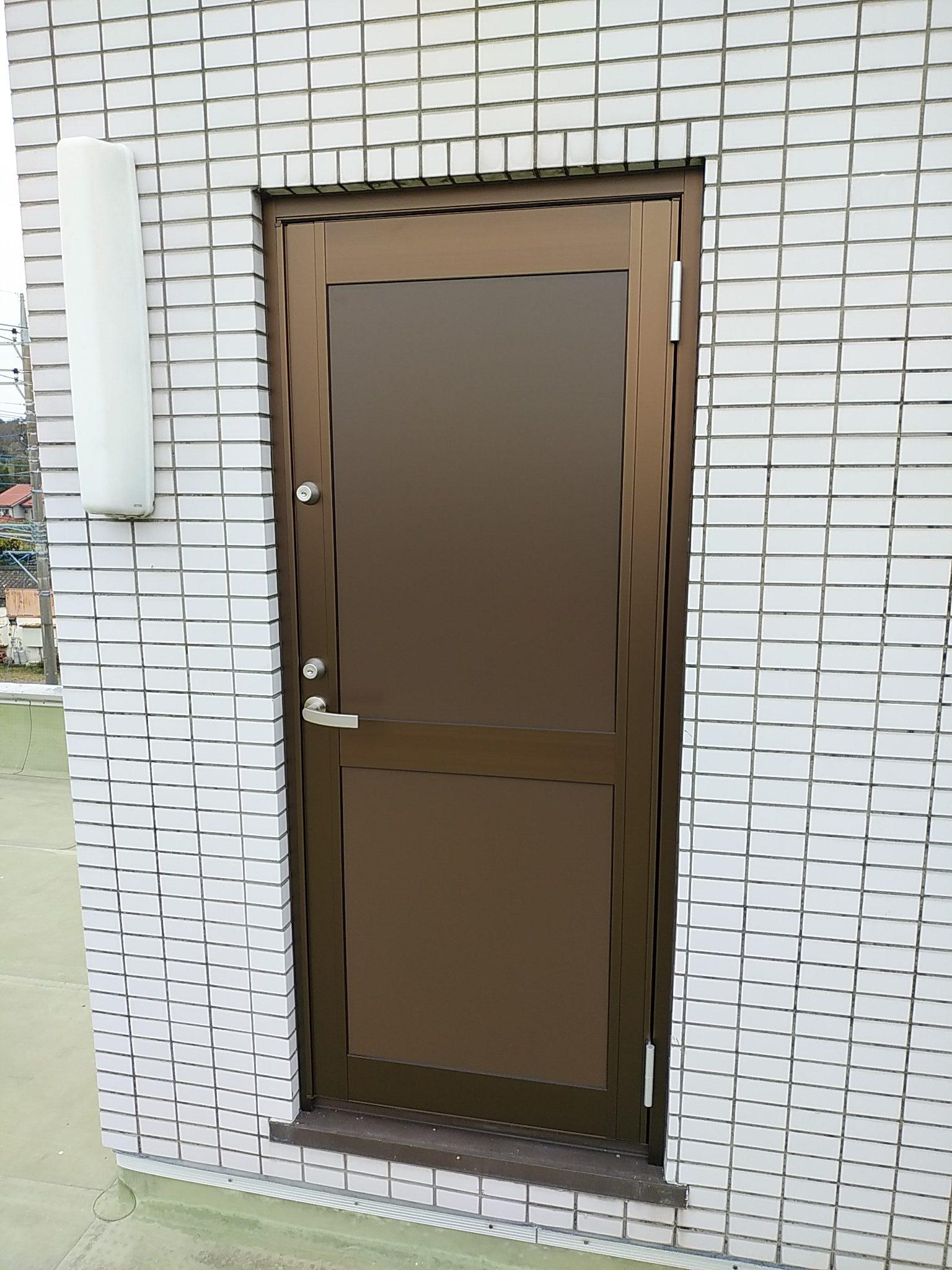 【石岡市】事務所ドア修繕